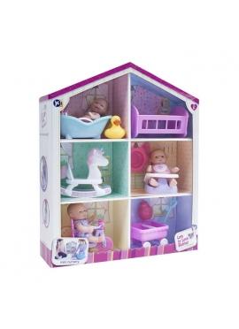 Домик с куклами и аксессуарами