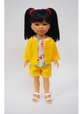 Bambola Umi, Vestita in Blu - set di giallo e t-shirt con stampa - 28 cm