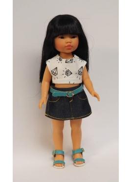 Bambola Umi, Vestita in Blu - set gonna di jeans e Canotta diamanti - 28 cm