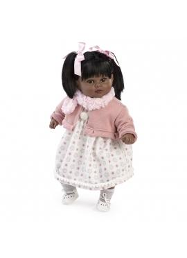 Carla habladora negrita con bufanda rosa en bolsa