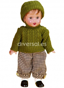 MINI-JUANIN PEREZ WITH A SWEATER AND BEANIE GREEN
